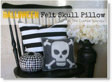 Felt Skull Halloween Pillow {Target Knock-Off} tutorial Felt skull