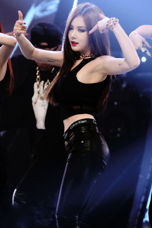 Pin By Whitney Burkes On Get That Drama Body Kpop Girls Guys And Girls Korean Pop Idol