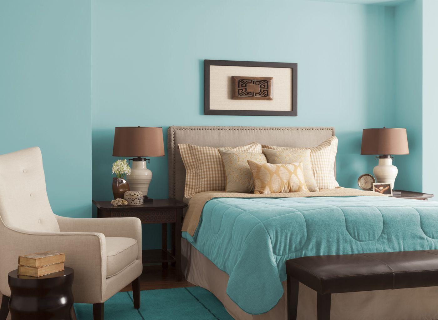 Bedroom In Aqua Chintz   Glidden Paint Color