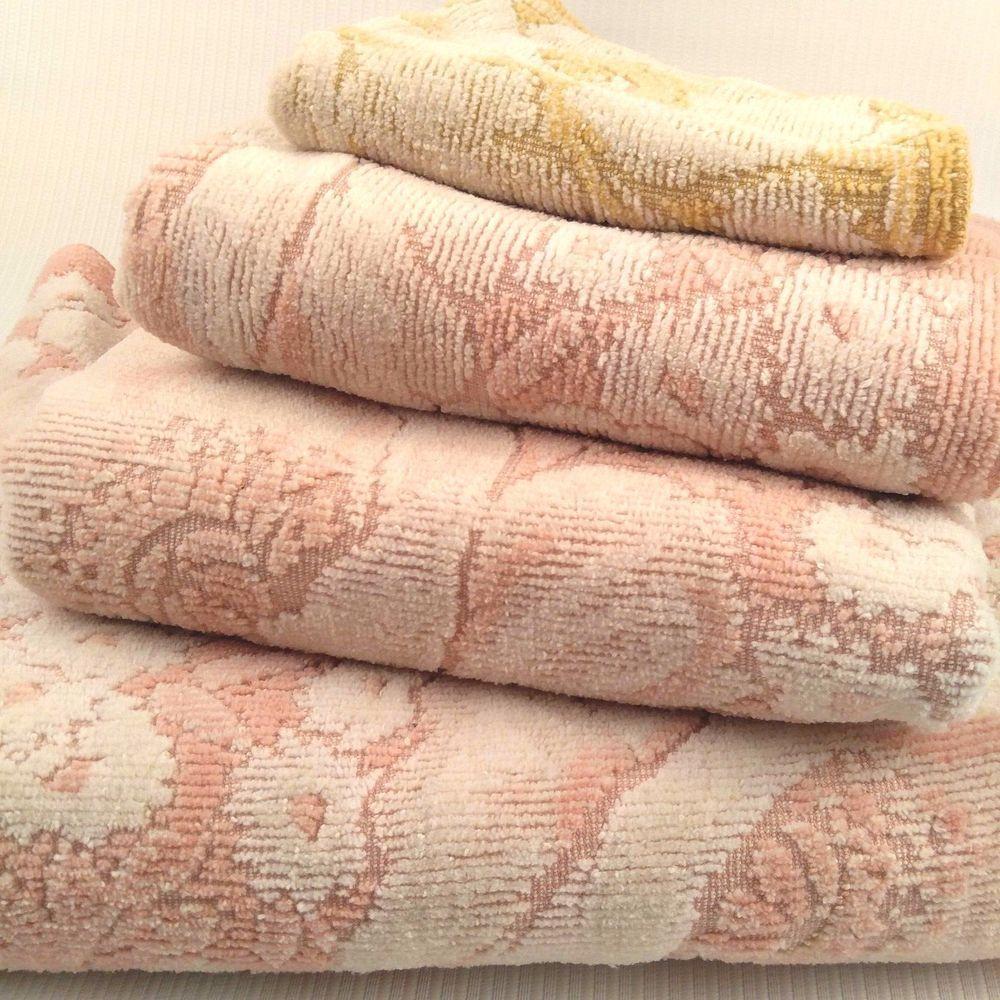 4 Fieldcrest Pink White Sculpted Floral Towels Set Bath Hand