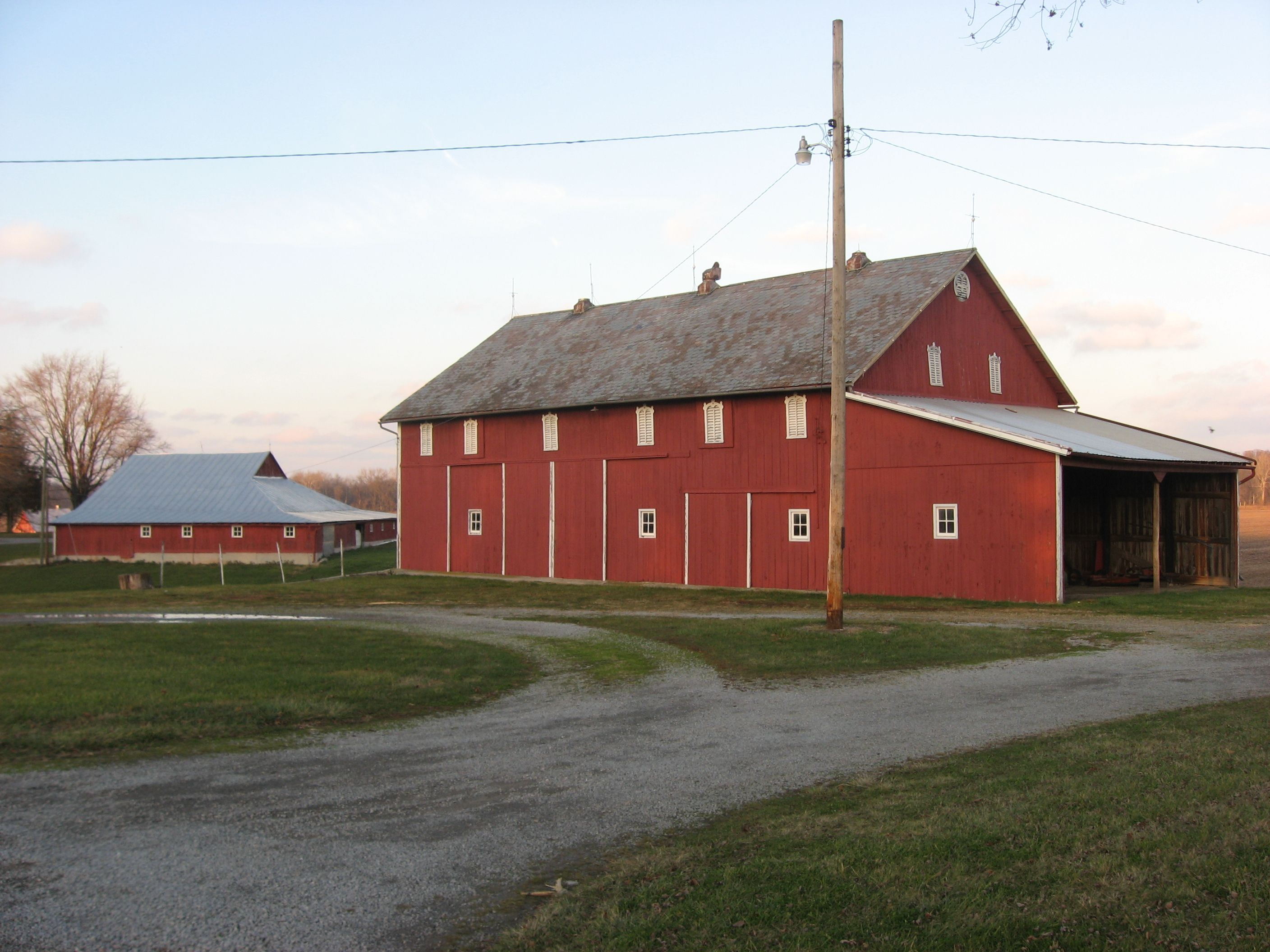 File:Armstrong Farm barns.jpg - Wikipedia, the free ...