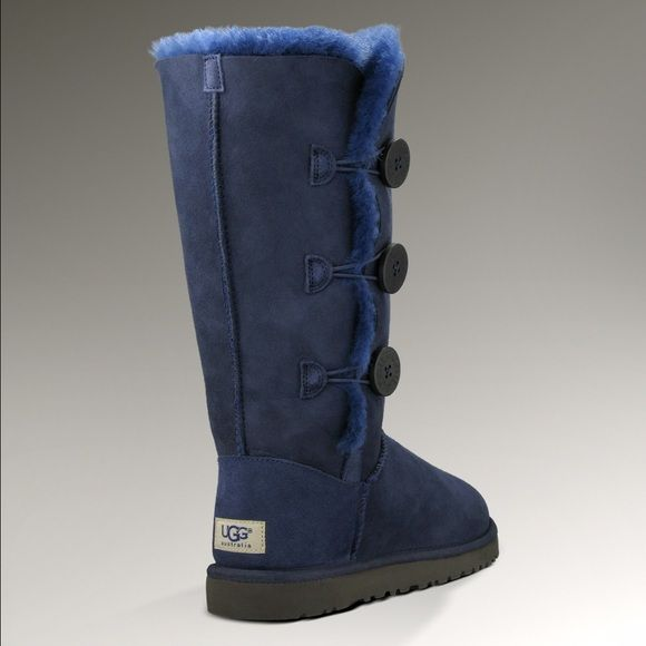 EUC Navy blue Bailey button triplet Uggs Available for purchase! Navy blue Bailey button triplet Uggs. Size 9, EUC barely worn a handful of times! So warm and cozy, perfect for winter styles! UGG Shoes Winter & Rain Boots