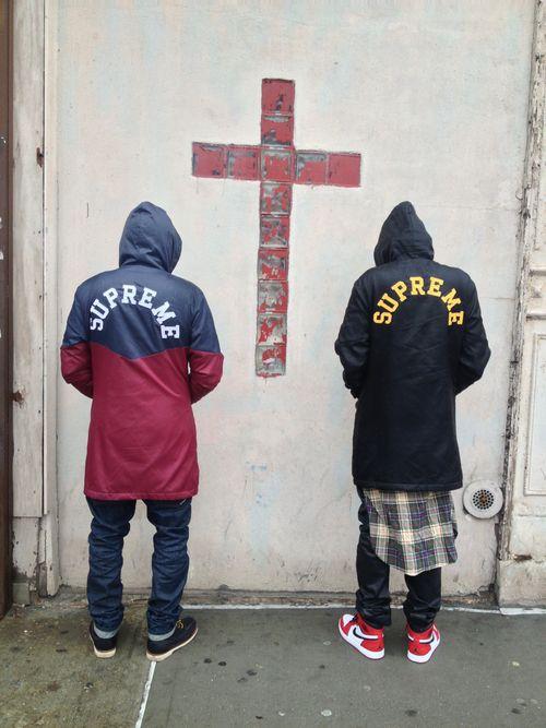 Abrigo supreme negro