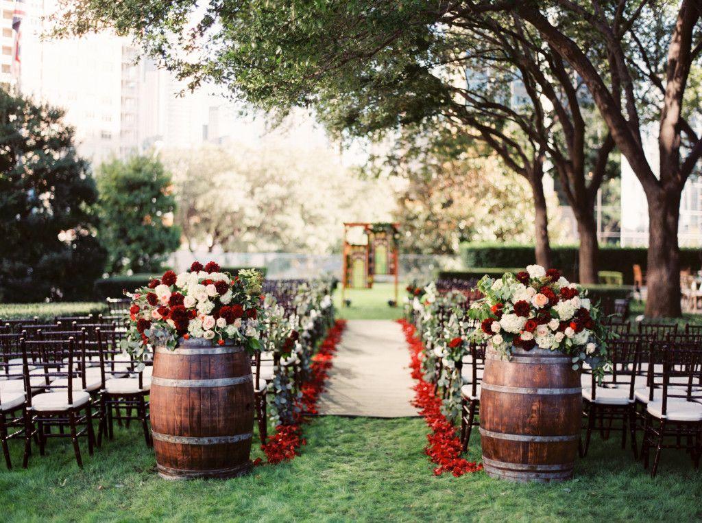 """Bn Wedding Décor Outdoor Wedding Ceremonies: Karen + Brad's Napa Meets Texas Hill Country """"I Do"""""""