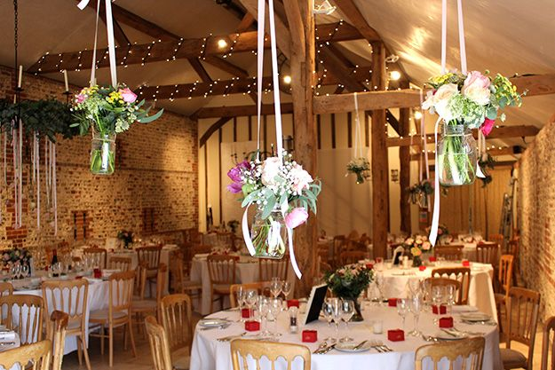 The Perfect Pick Of Flowers For A Country Barn Wedding Theme Chwv