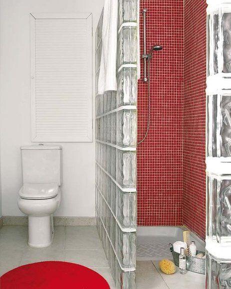 Cuarto de baño en blanco y rojo | Cuartos de baños ...