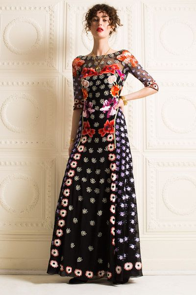 See the complete Temperley London Pre-Fall 2016 collection.