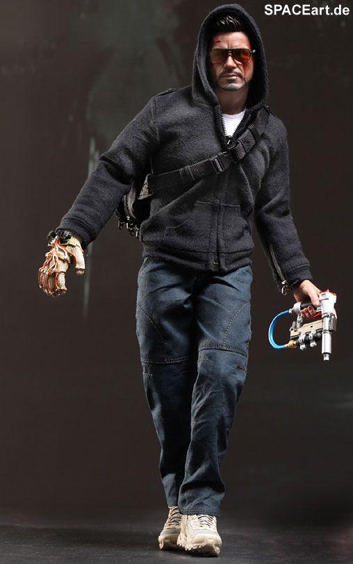 Iron Man 3: Tony Stark (The Mechanic) - Deluxe Figur http://spaceart.de/produkte/irm023.php