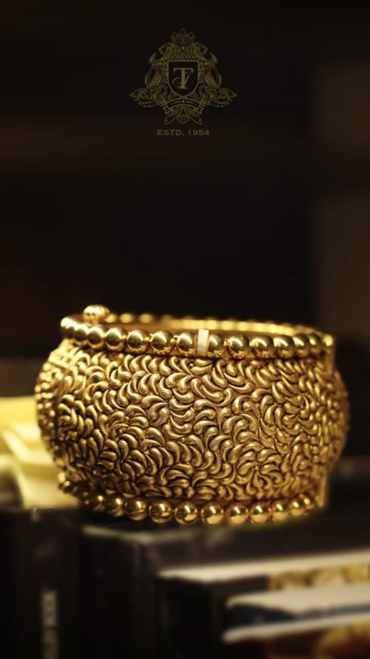 Pin By Het On Bangles Bracelet Gold Jewelry Fashion Gold Chain Design Gold Jewellery Design
