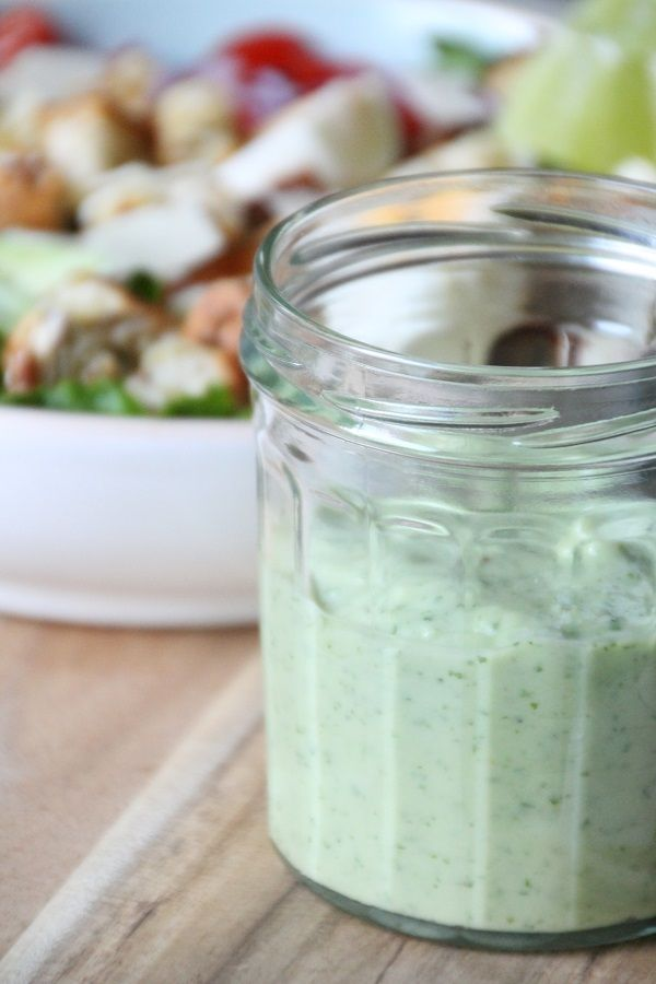 Super Healthy Avocado dressing die in slechts enkele minuten klaar is! + een eenvoudige salade