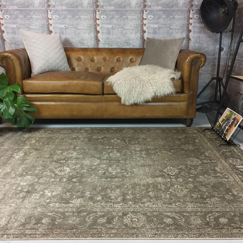 Vintage vloerkleed is de kleuren groen en grijs. Leuk voor in de ...