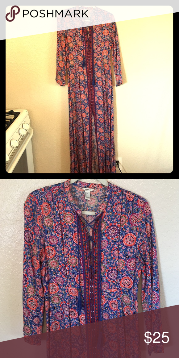 Tunic style maxi dress Trendy lace front tunic style dress. Ethnic print with slit up center front and side zip. Great for summer or bathing suit coverup Forever 21 Dresses Maxi