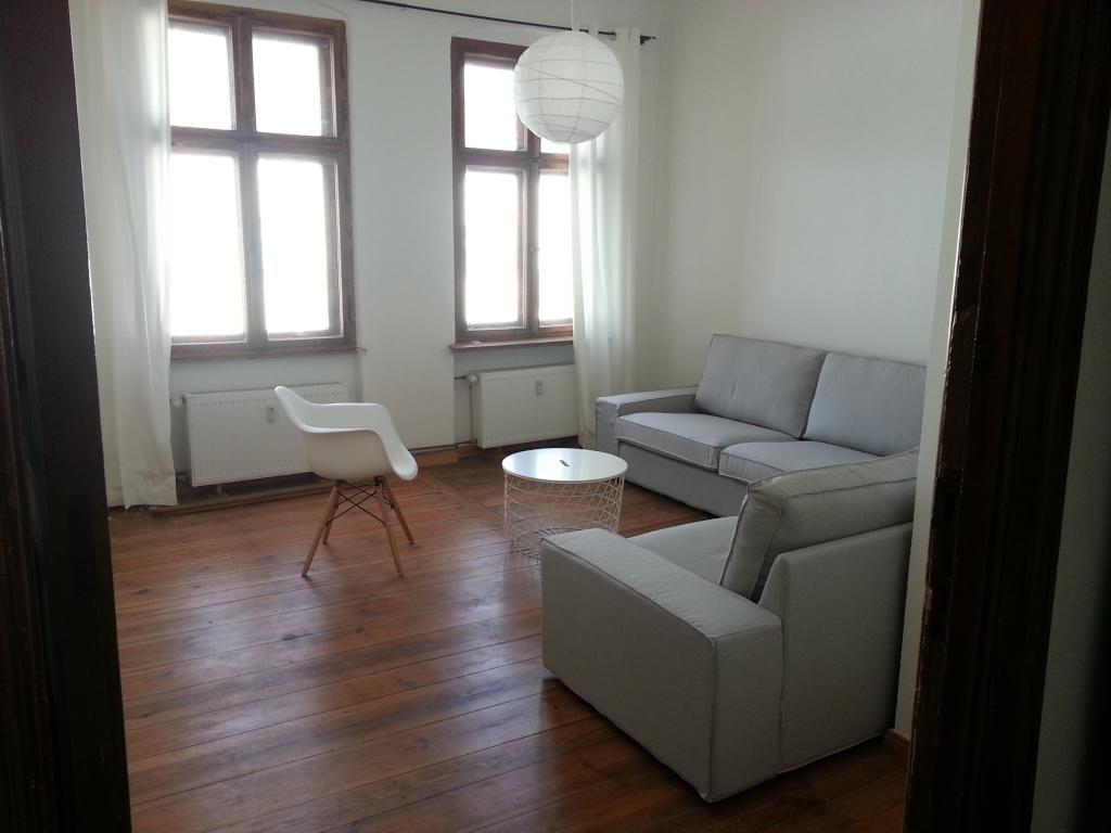 Parkett Wohnzimmer Dekoration : Wohnzimmer im clean look die kombination aus weißen und grauen