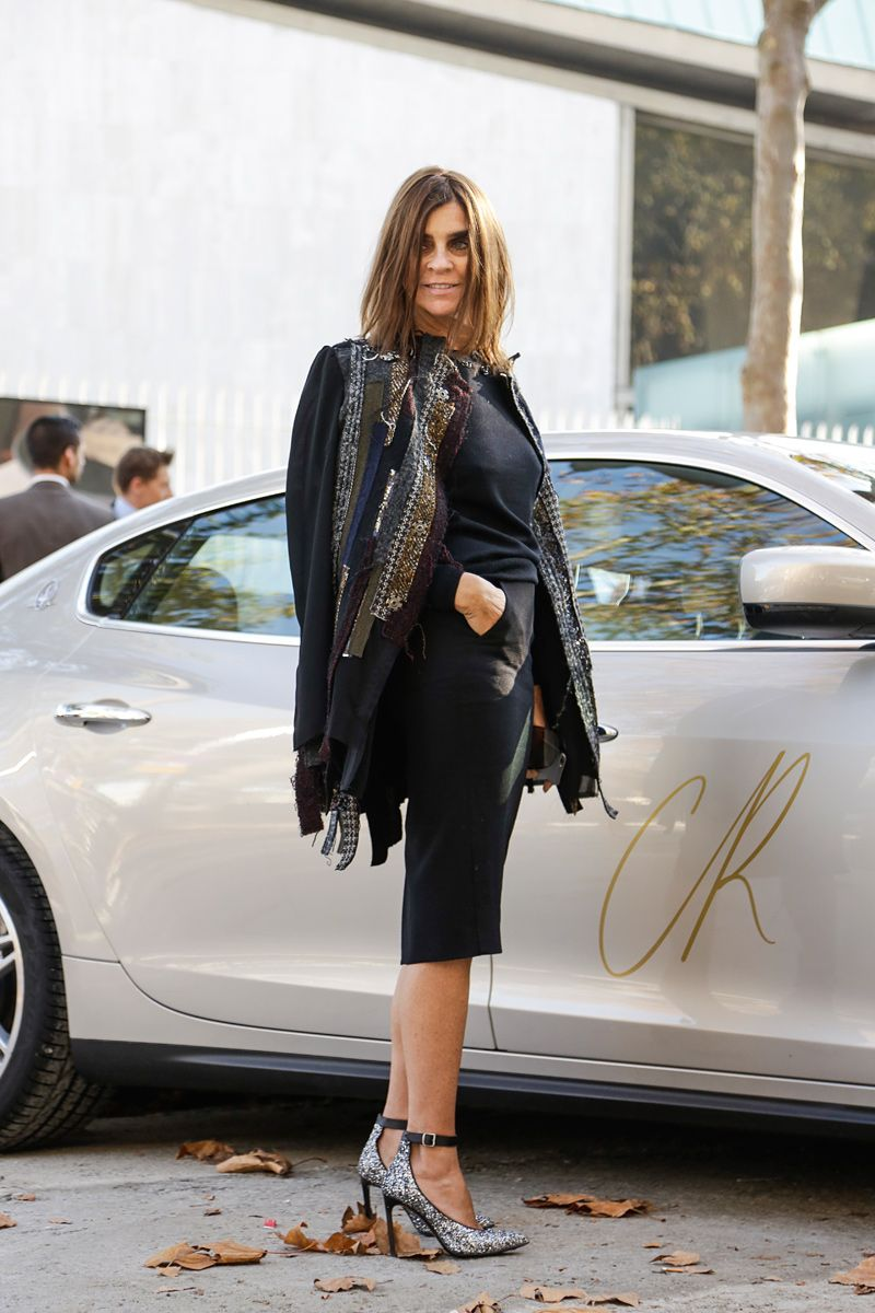 Carine being her fabulous self in Paris. #CarineRoitfeld