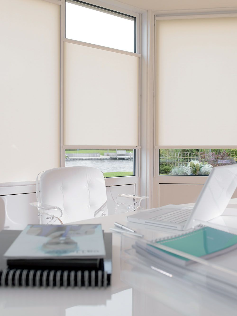 Nano rolgordijn van Luxaflex | Zonwering / Raambekleding ...