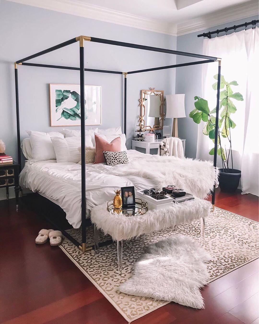 Pin By Emma L On Bedroom Ideas In 2020 Glam Bedroom Glam Bedroom Decor Modern Bedroom Furniture