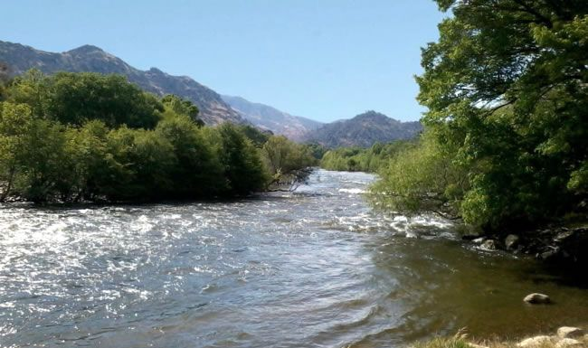 Kern River Camping Vacation things to do campground reservations and info.  Things to do on