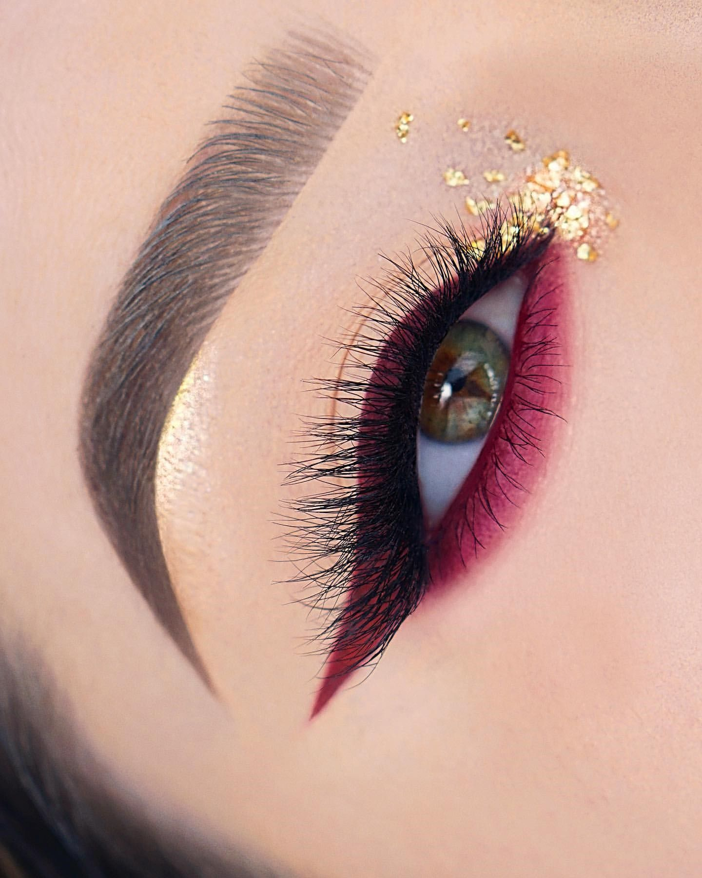 Pin By Keira Geering On Makeup Art In 2020 Colorful Eye Makeup