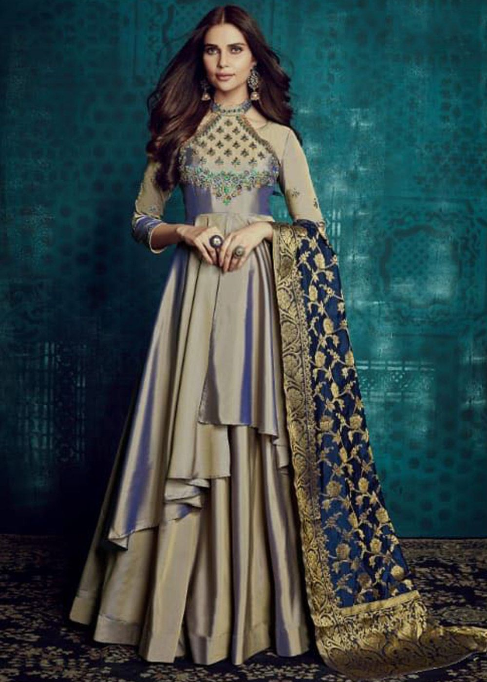 740697896e ... kameez in art silk designed with beautiful resham and zari embroidery  at the bodice area enhanced by stunning stone work. This stylish twin  layered ...