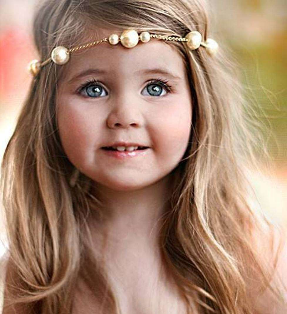 Wedding hairstyles for kids girls - Find This Pin And More On Hairstyles Little Girls Medium Haircuts