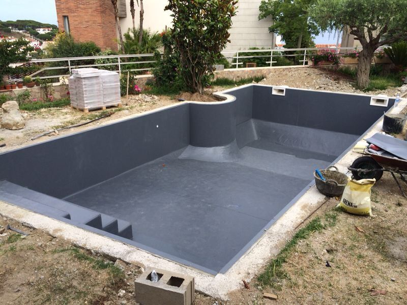 Estanqueidad perfecta para piscinas sistemas de for Borde piscina hormigon
