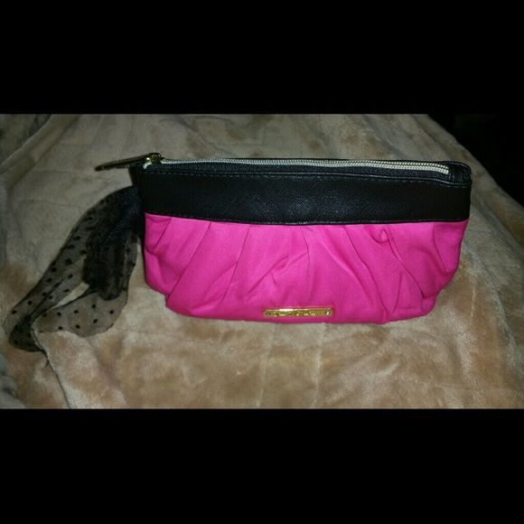 Juicy Couture Bag Pink JUICY Couture (makeup) Bag/Clutch. Pink and black. New Condition. Juicy Couture Bags