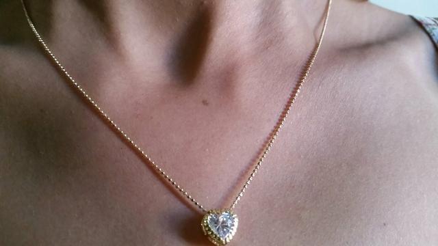 Lindíssimo colar de corrente de bolinhas folheado a ouro 18k com delicado  pingente de zircônia ( 78a32e771a