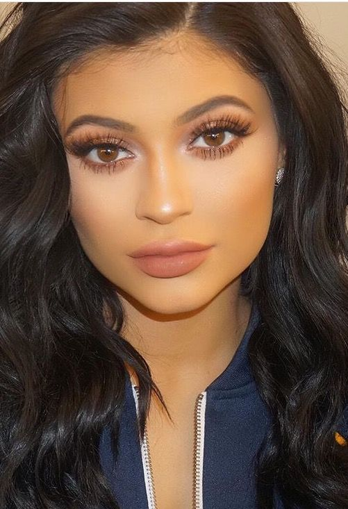 Eyes Kylie Cosmetics: ️ These Eyelashes, Eye Makeup And Lip Color, But The Under