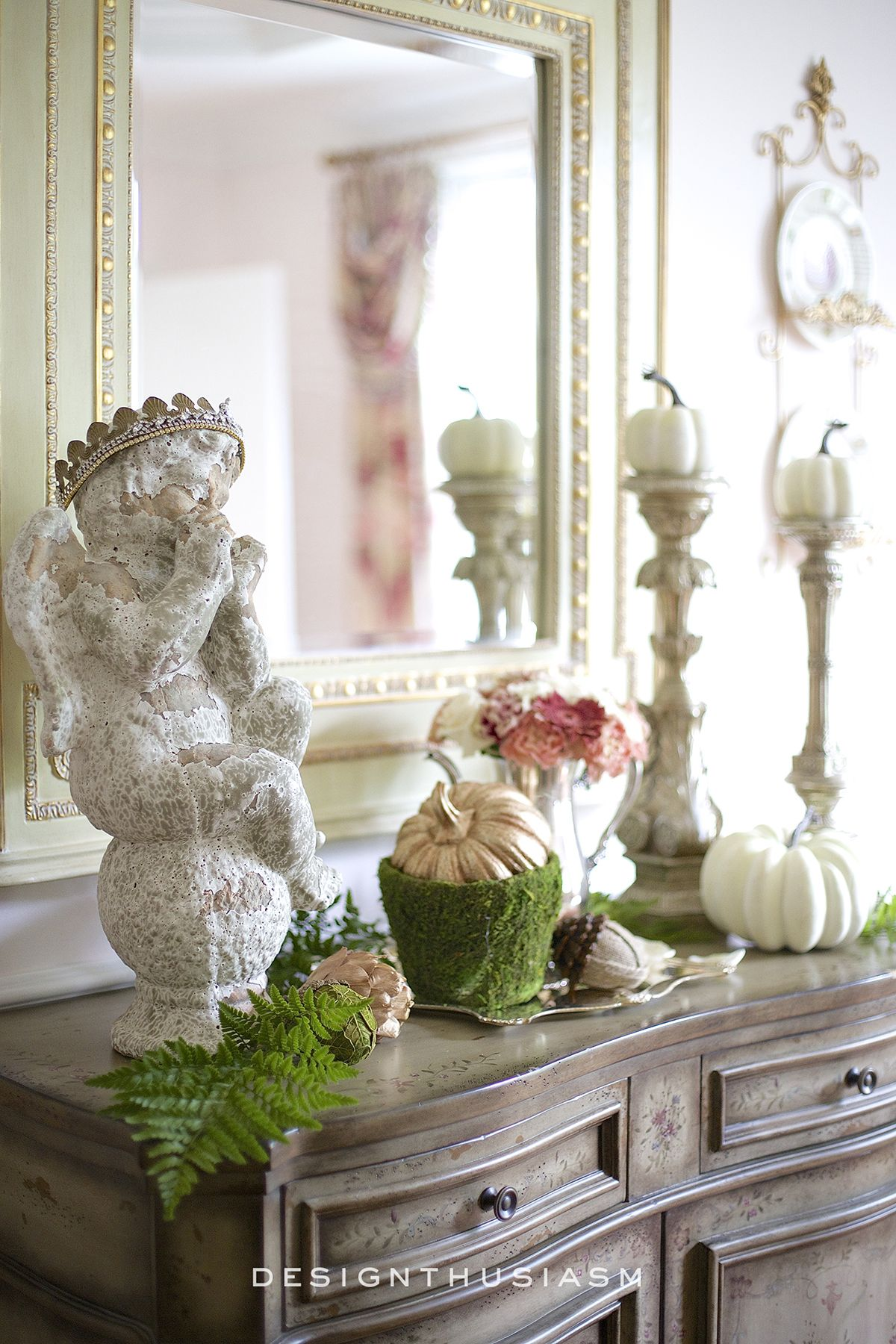 5 Tips For Creating A Fall Vignette In The Dining Room