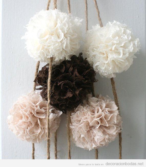 1687dd5e4 Ideas decorar salón y jardín de bodas, pompones de tela y encaje ...