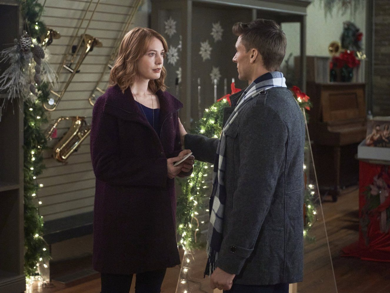 Christmas Tree Lane In 2020 Hallmark Christmas Movies Hallmark Movies In And Out Movie