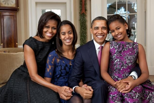 President Obama and First Lady Michelle Obama are counting on reverse psychology to prevent Malia (left) and Sasha (right) from getting inked.