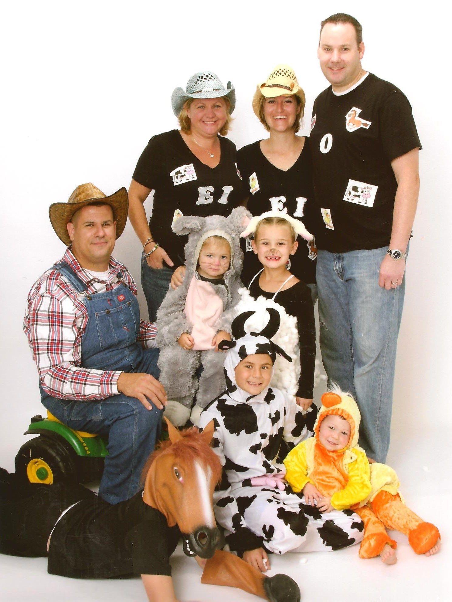 2 Farm Animals Costumes Men Group Halloween Costumes Old