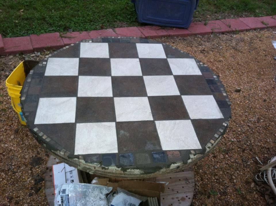 DIY Large Wooden Spool plus leftover tiles = outdoor table ...