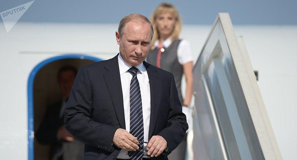 Russlands Prasident Wladimir Putin Hat Seine Reise Nach Osterreich Zur Hochzeit Der Aussenministerin Karin Kneissl Und Ihres Lebe Wladimir Putin Moskau Russland