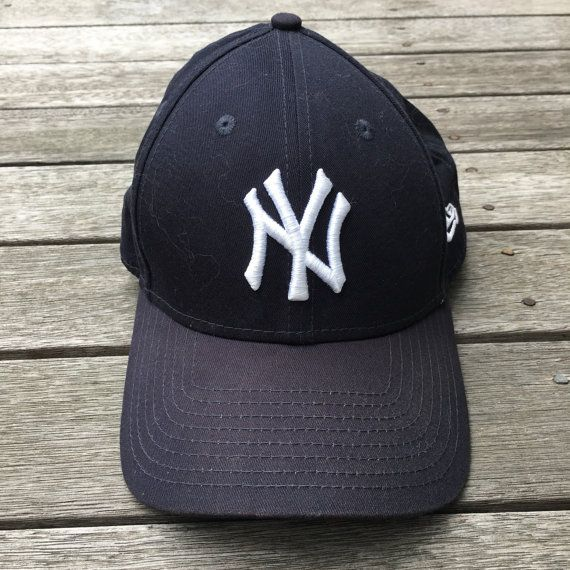 Vintage 90 s New York Yankees New Era Strap Back Dad MLB Baseball Cap Retro  Streetwear Sportswear NY Yankees Cap Baseball Official Fan Gear e4d03a6a70b2