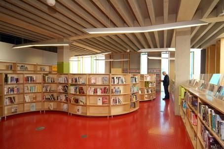 Custom Made Shelving At Idea Store Whitechapel School Library Design Library Design Learning Spaces