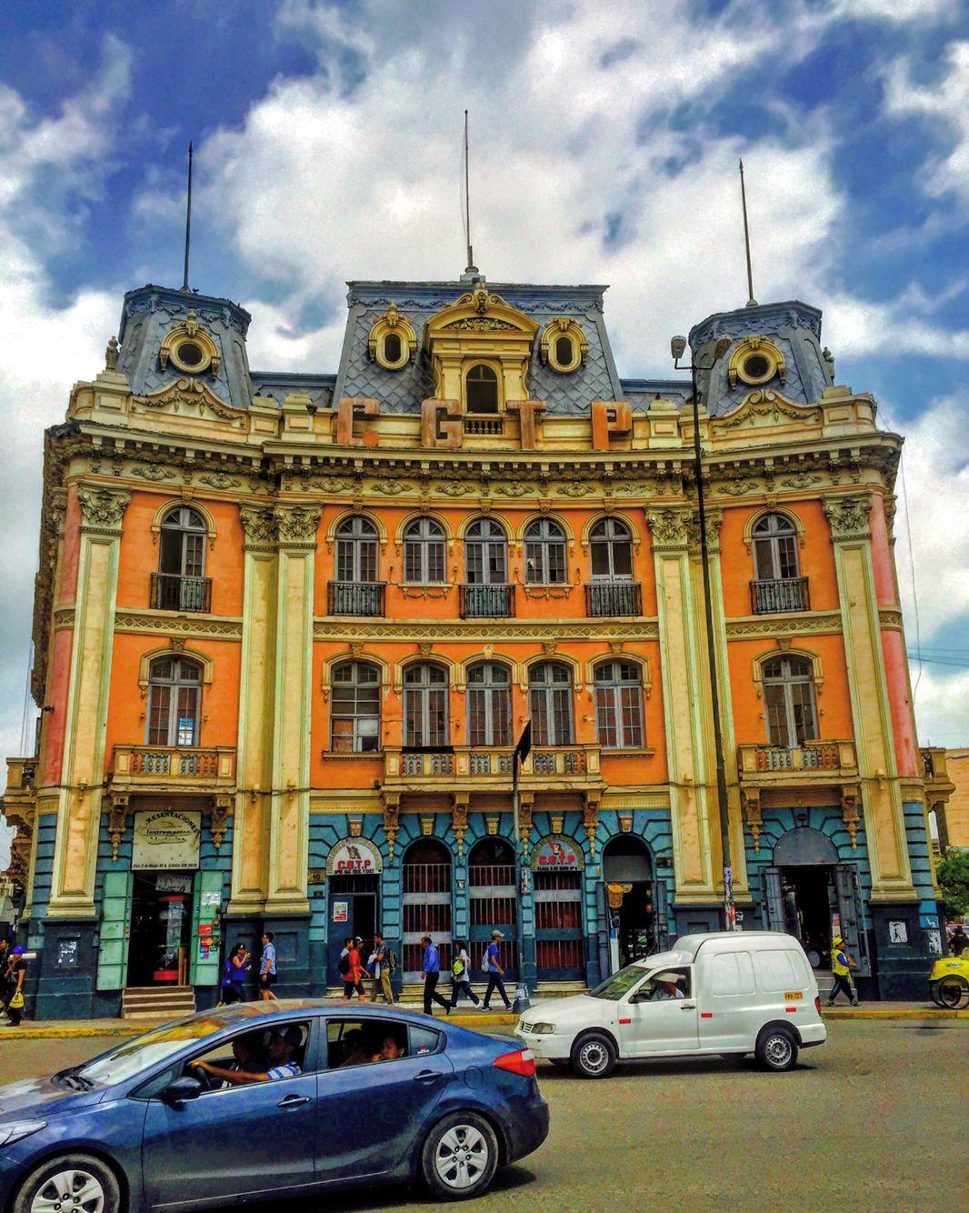 Chalet de la Plaza Dos de Mayo