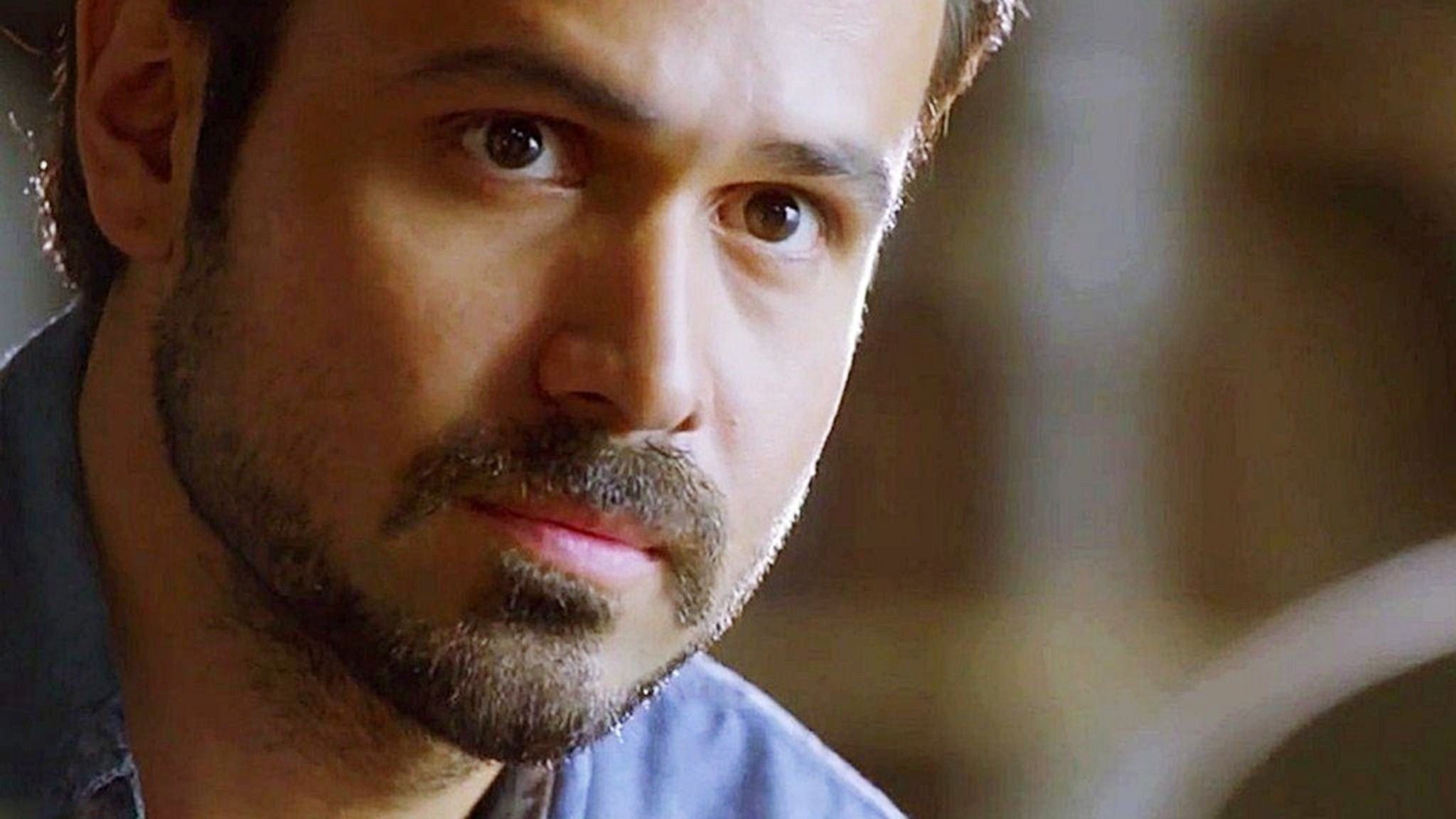 Handsome and Talented emraan hashmi wedding pictures forecasting to wear in summer in 2019