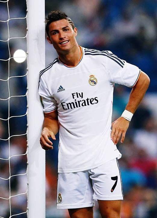 efd19d4cc2 Cristiano Ronaldo #smile | f0OtBall | Cristiano ronaldo, Cristiano ...