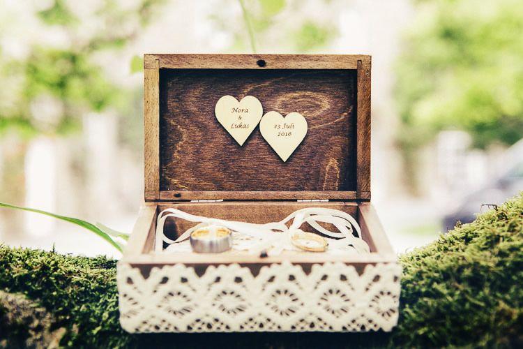 Trauung Im Freien Auf Schloss Ehreshoven Wedding Ring Pinterest