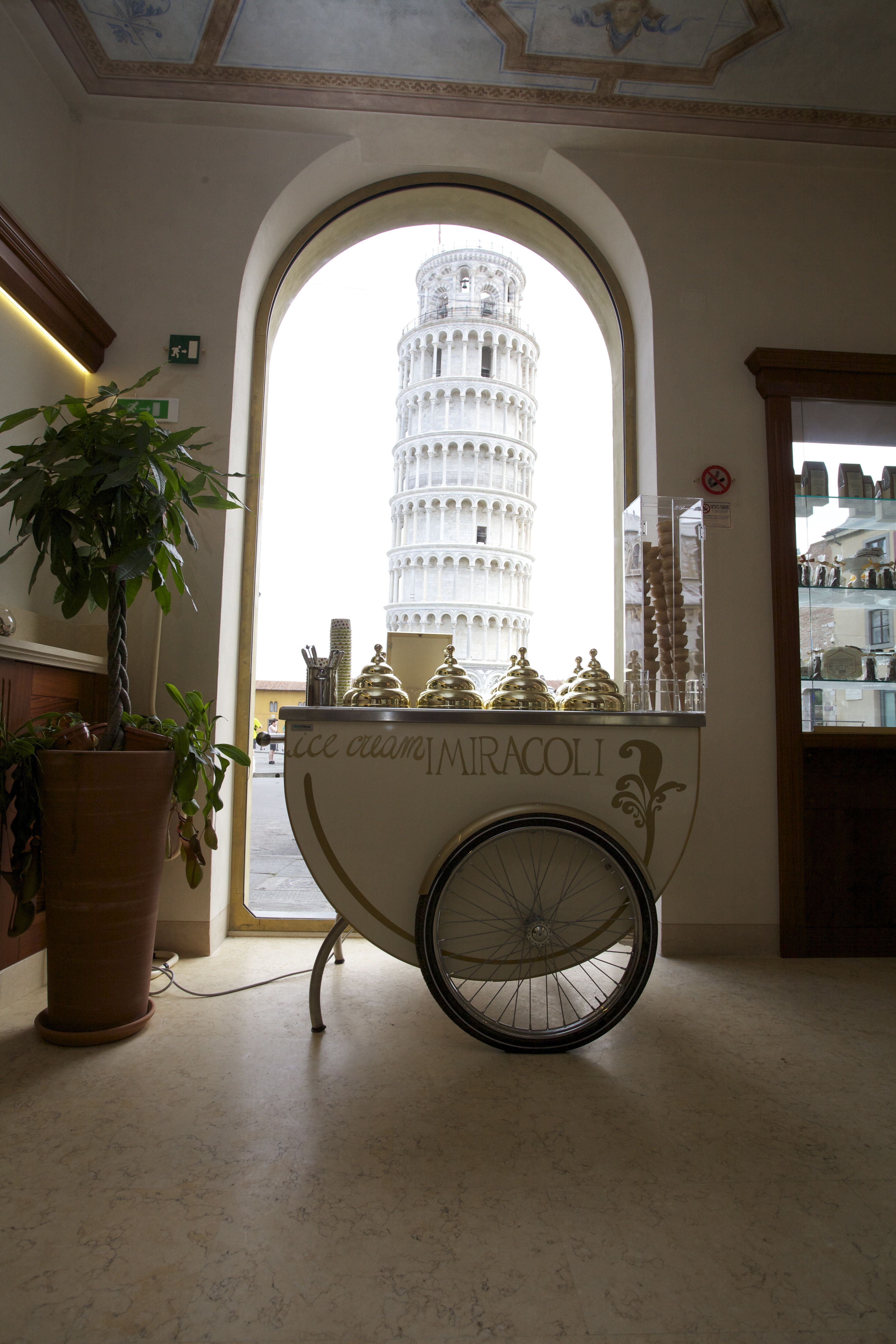 Cafè Pastry Shop I Miracoli Pisa 'View on the Leaning Tower'