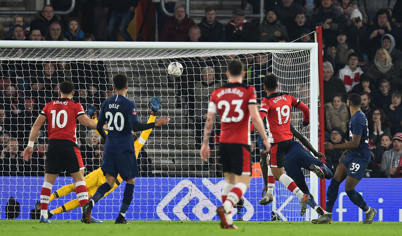 Tottenham vs Southampton FREE Live stream TV channel kick