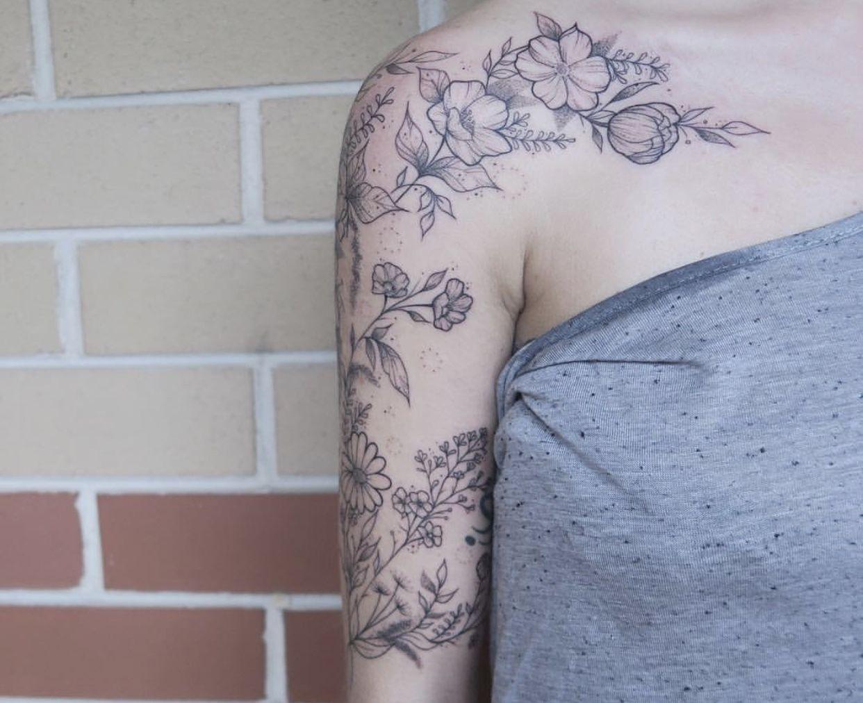 Pin By Lauren Sark On Ink Inspo Floral Tattoo Shoulder Shoulder