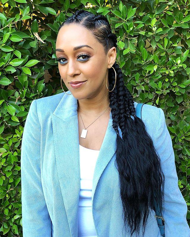 Tia Mowry in blue #fashion #makeup #beauty #womensfashion #blackgirlmagic #blackgirlsrock (With ...