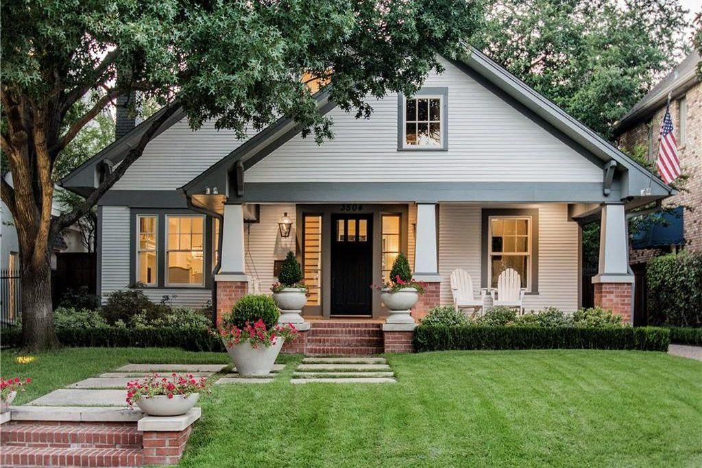 Hot Property: Remodeled 1920s Craftsman in Highland Park #craftsmanstylehomes