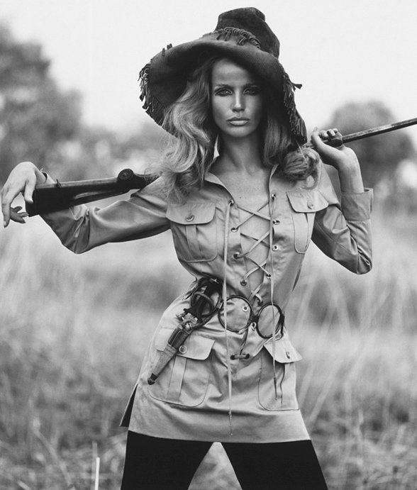 34ff4f5b7f3c Ив Сен Лоран — революционер в мире моды   witch в 2019 г.