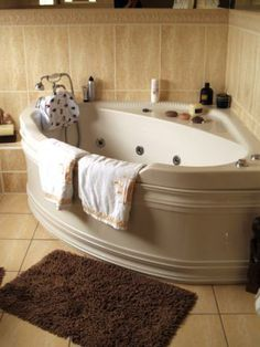 A Glimpse Into The Types Of Soaking Tubs For Small Bathrooms Gorgeous Corner Soaking Tubs For Small Bathrooms Decorating Design