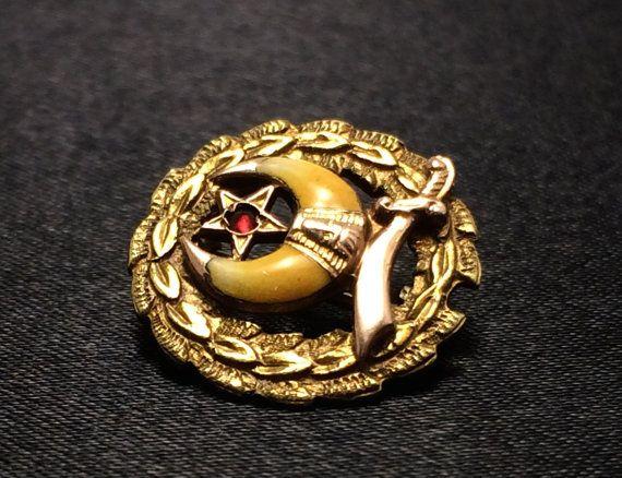 Masonic Lapel Pin Gold Masonic Brooch by EstateJewelryMama