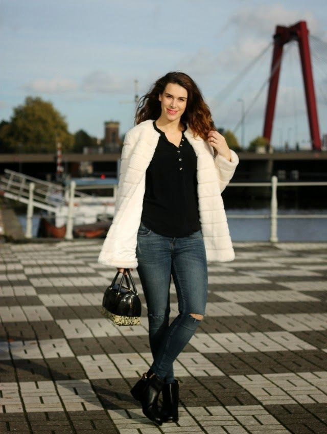 Outfit: When in Rotterdam   Curls and Bags